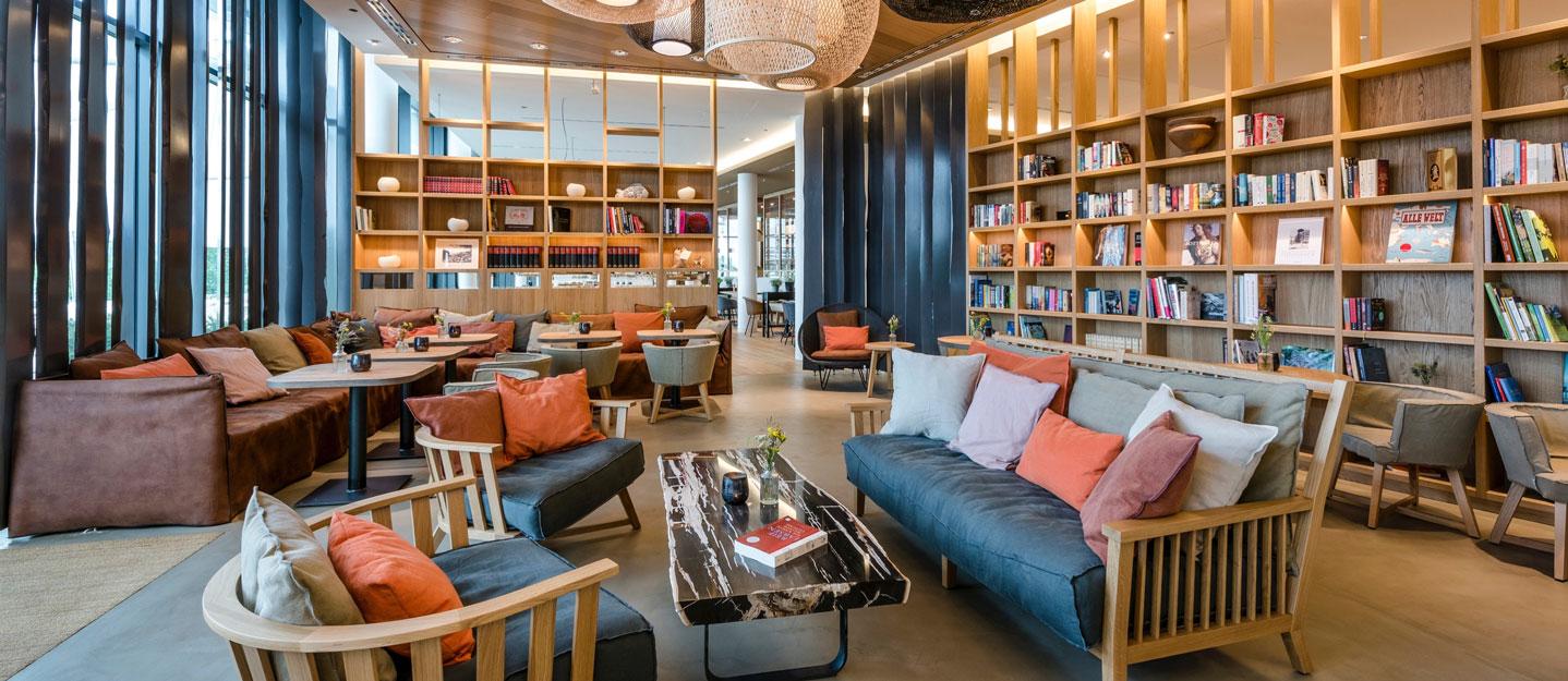 seezeitlodge-hotel-spa-bibliothek